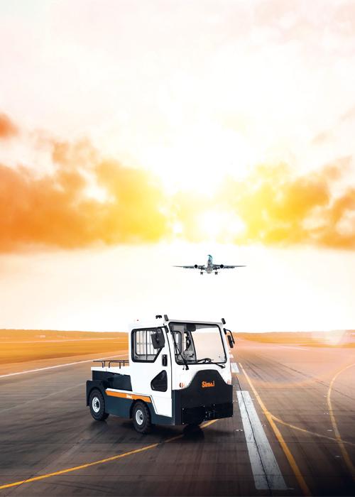 Tracteur électrique Simai TE252 sur tarmac d'aéroport